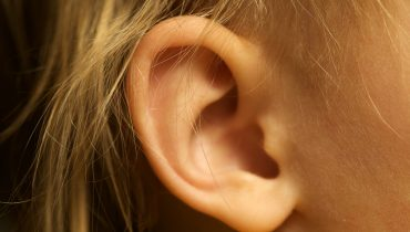 Can CBD Oil be Put in the Ear?